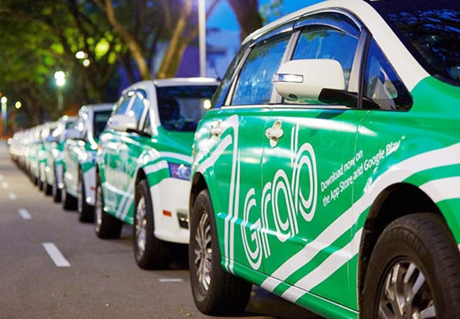 Taxi or Grab - Source: VietnamNet